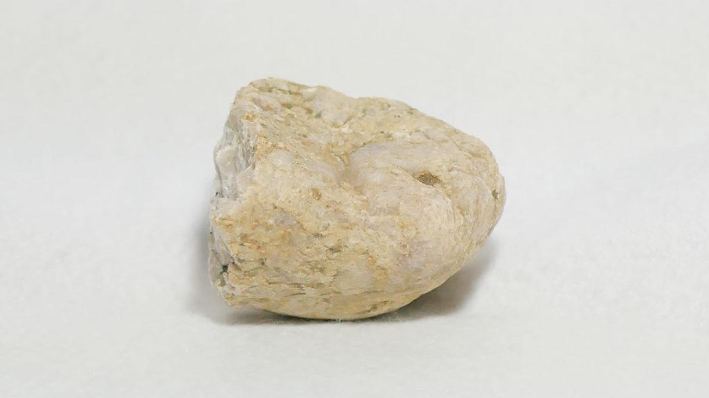 表面はゴツゴツ・ザラザラ花崗岩