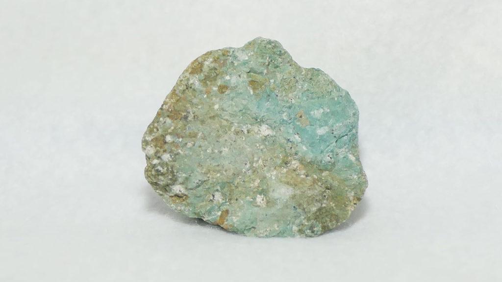 セラドン石(セラドナイト)です
