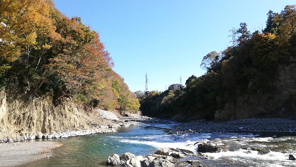 山梨県桂川での石拾い