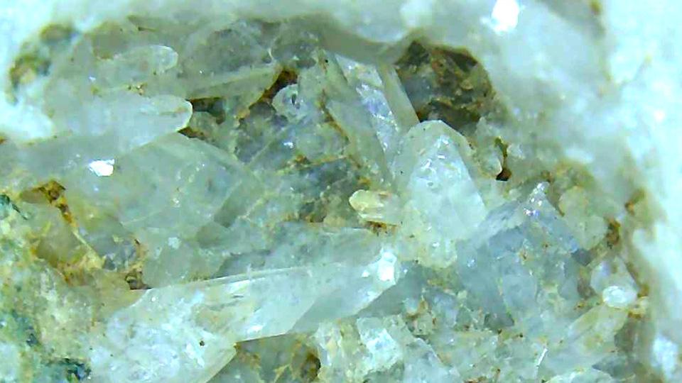 極小水晶クラスター 約0.5mm